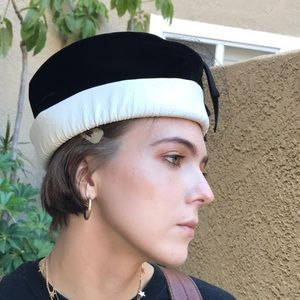 Vintage black/white faux leather and velvet hat